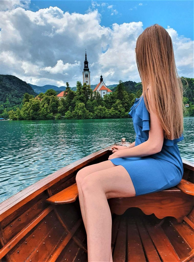 Paddling to Bled Island